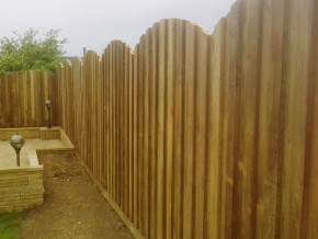 Archtop Hit & Miss fencing by Cathedral Landscape & Fencing